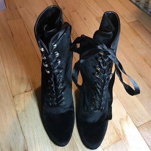 Steve Madden Evolved Black Leather Lace Up Booties